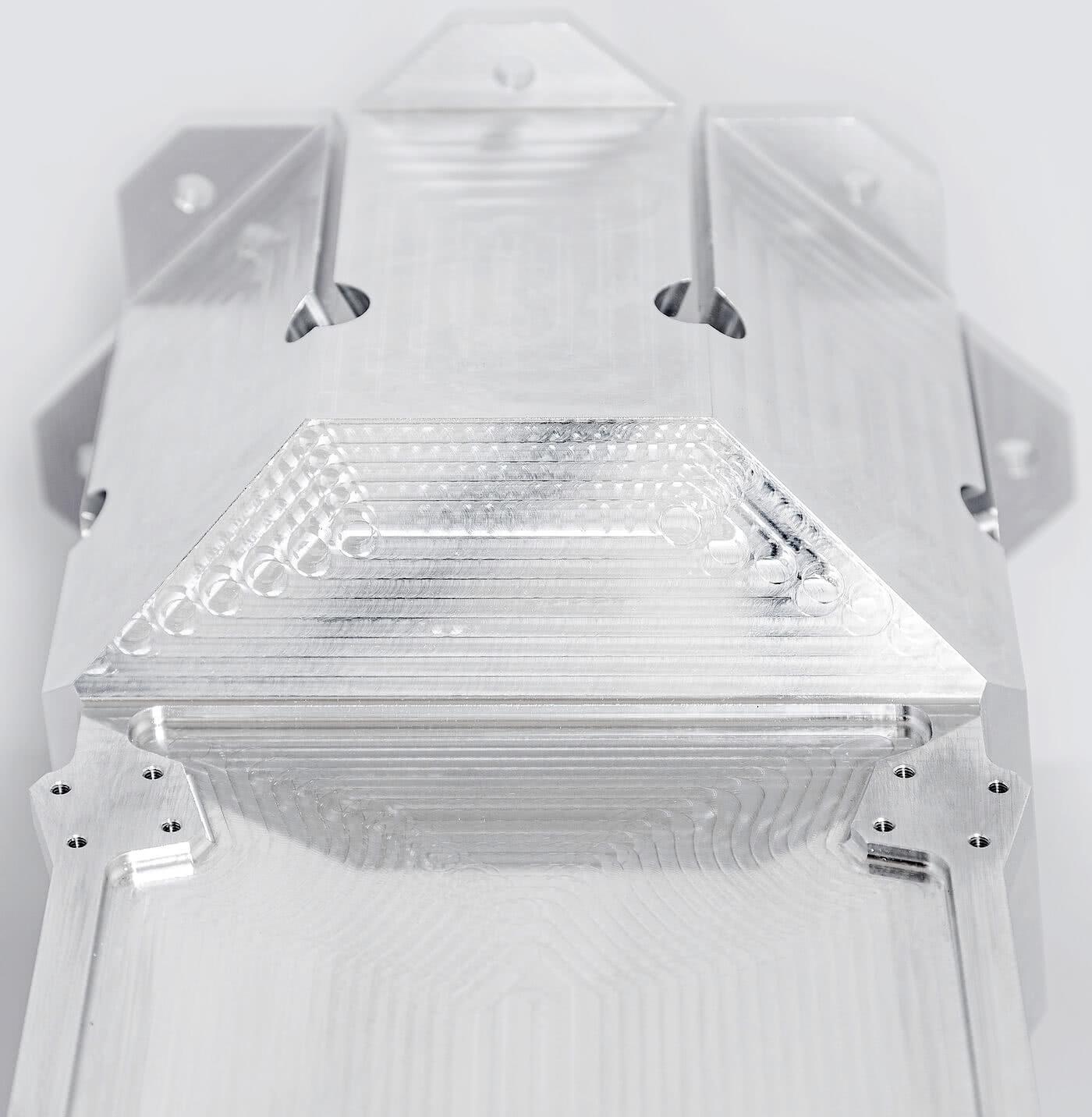 Laro NC Aluminium Raumfahrt Teil.jpg