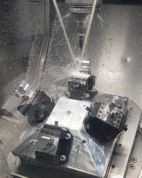Laro NC Zerspanung CNC.jpg